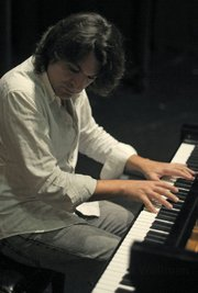 Pianist and composer David Peña Dorantes brought pure <em>duende</em> to the Lobero Stage.