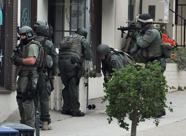 Fbi Swat In Action SWAT Responds to Far West