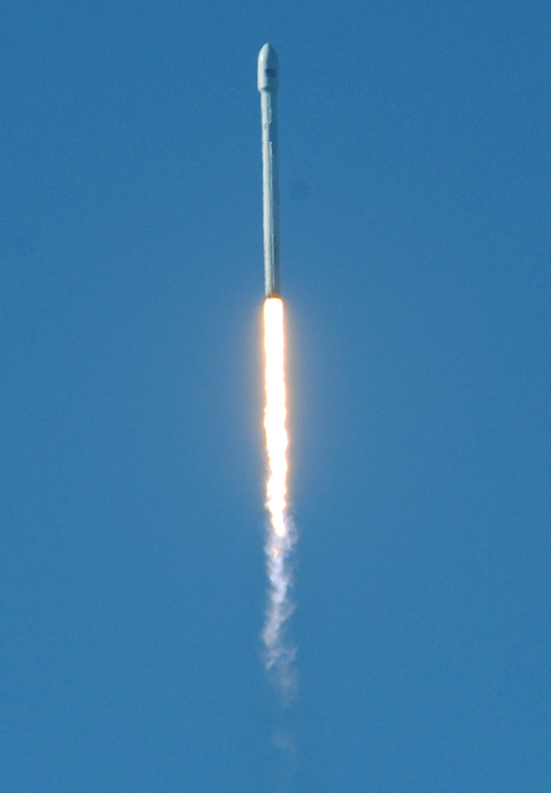 first spacex rocket - photo #1