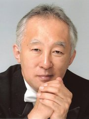 <b>HEAD OF THE CLASS:</b>  Maestro Heiichiro Ohyama and the Santa Barbara Chamber Orchestra areproving to be a delicious acoustic fit for the Music Academy's Hahn Hall. The orchestra performed a series of string works there on Tuesday, December 10.