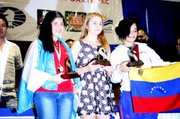 Agata Bykotsev receives her award in Mexico.