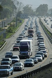 Southbound Friday afternoon traffic on the 101 freeway by the Hot Springs exit