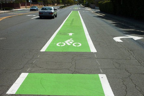 THE GOOD: A wide, clearly marked bike lane on Cathedral Oaks near Carlo Avenue