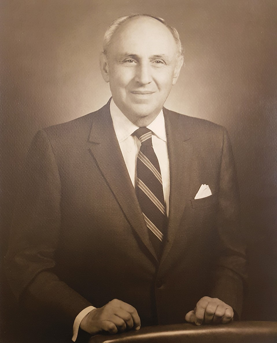 James DeLoreto survived his posting as a WWII glider pilot in Europe and became a well-known attorney, president of the bar, city councilmember, and Italian vice-consul in Santa Barbara.