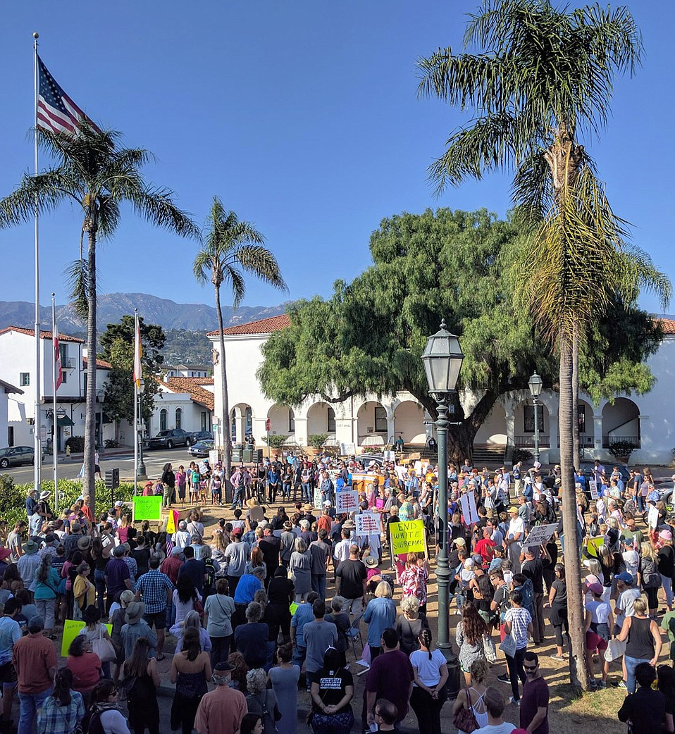 Santa Barbarans gathered in De La Guerra Plaza exactly a week after the close of Fiesta to refute white supremacist attacks in Charlottesville the day prior.
