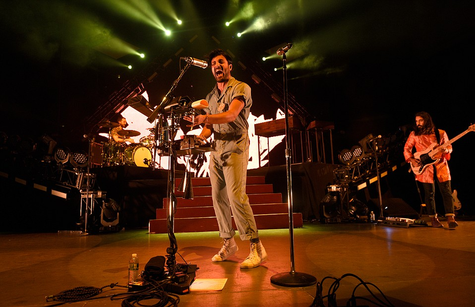 Young the Giant plays the Santa Barbara Bowl (August 25, 2016)