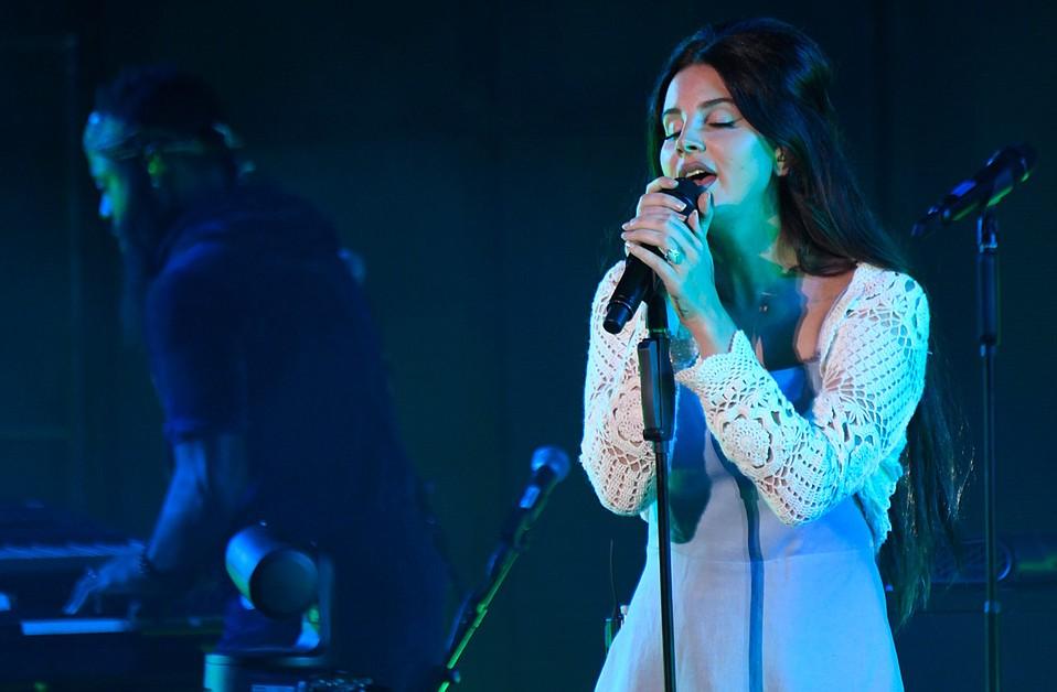 Lana Del Rey captured the awe of the Santa Barbara Bowl Friday night